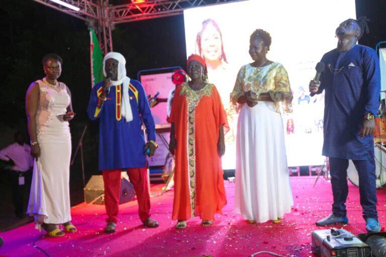 Culture : les artistes tchadiens célèbrent le cinquantenaire de Sarah Noudjalbaye